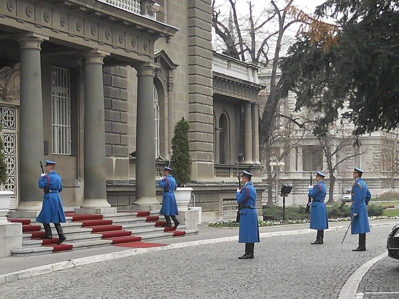 Predsedništvo_Srbije,_smena_straže,_Beograd