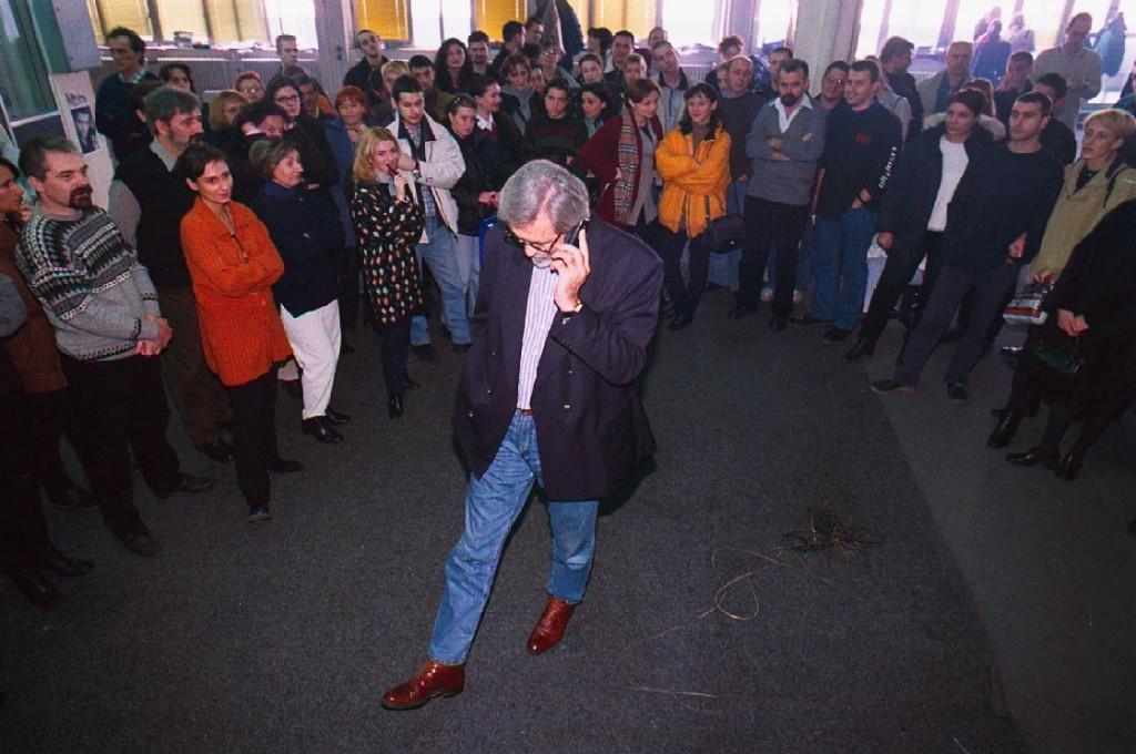 Slavko Curuvija sa redakcijom Dnevnog telegrafa, foto Predrag Mitic, Slavko Ćuruvija fondacija