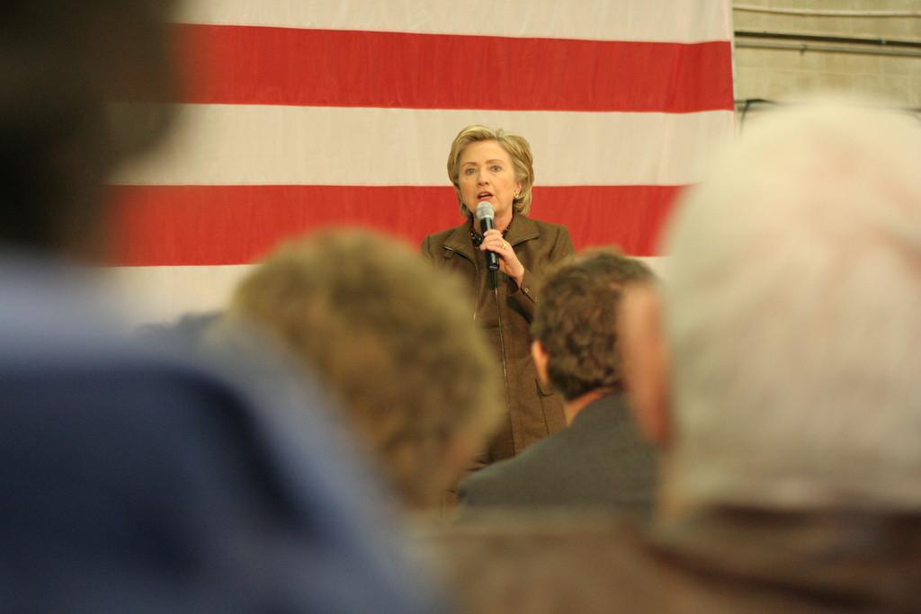 Kampanja Hilari Klinton od novinara dobila 382. hiljade dolara