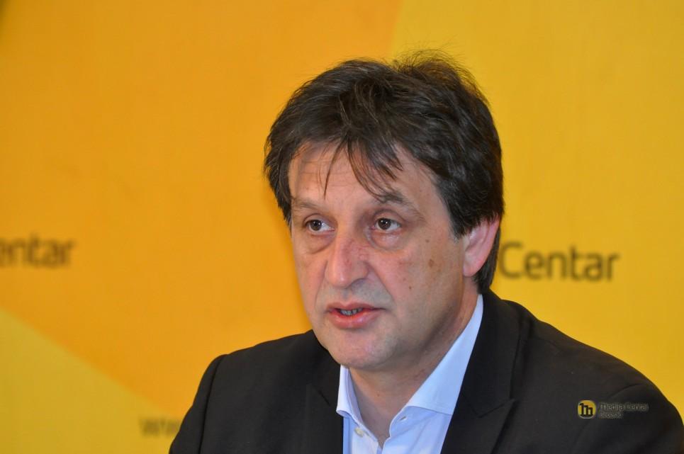 Bratislav Gašić se vraća na javnu funkciju uprkos seksističkom ponašanju; Foto: mc.rs