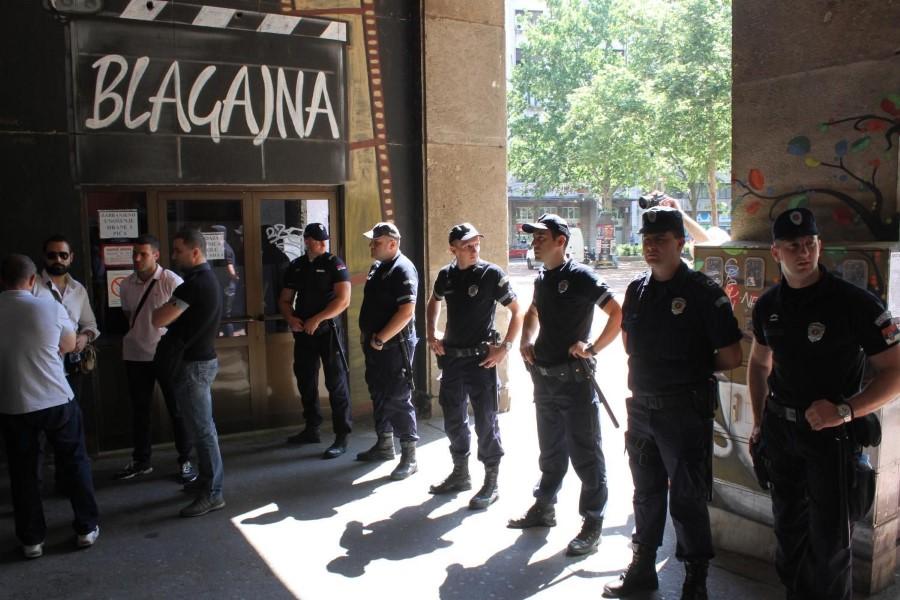 """Početak mandata obeležili napadi na novinare uz """"amin"""" policije; Foto: FoNet/ Zoran Mrđa"""