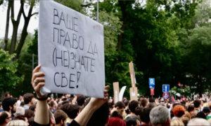 Detalj sa jednog od protesta; Foto: Podrži RTV