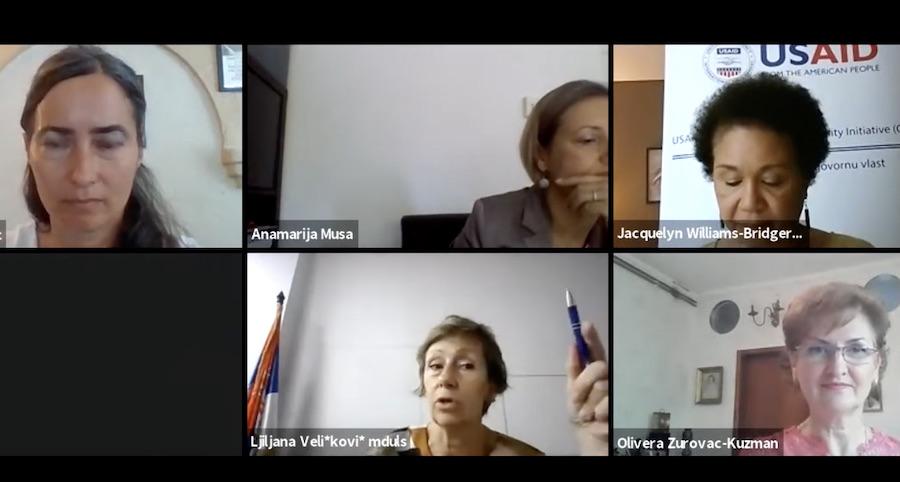 Učesnice foruma o dobijanju informacija od javnog značaja u oblasti zaštite životne sredine (foto: Jutjub snimak ekrana)